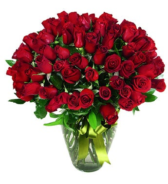 100 Red Roses in a Glass Vase