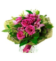 Bouquet of 6 Fuxia Roses